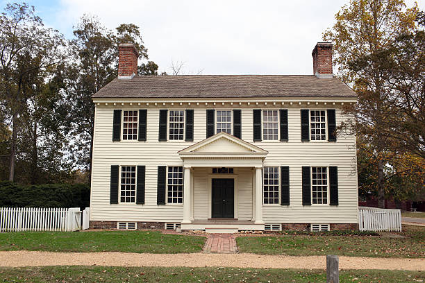 Colonial Home Historic Colonial Home colonial style stock pictures, royalty-free photos & images
