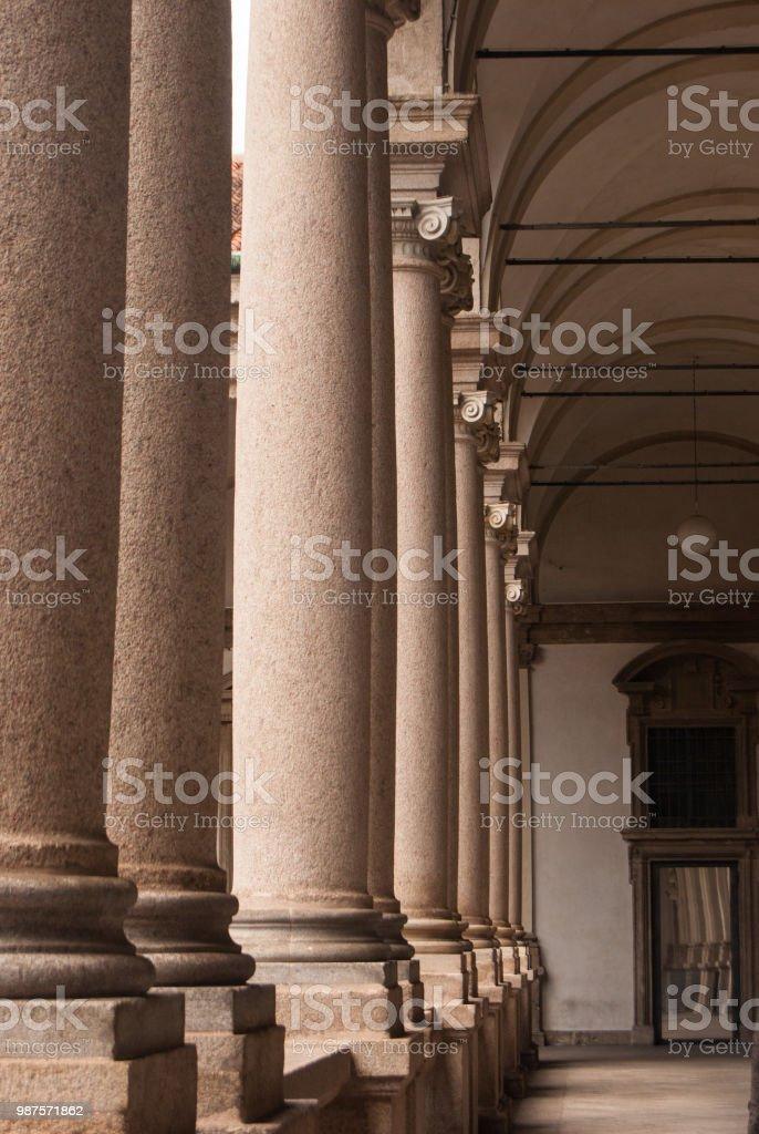 Colonnade in Brera high school - foto stock