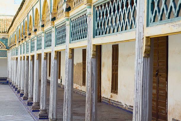 säulen und innenhof des palace bahia - dachschräge einrichten stock-fotos und bilder