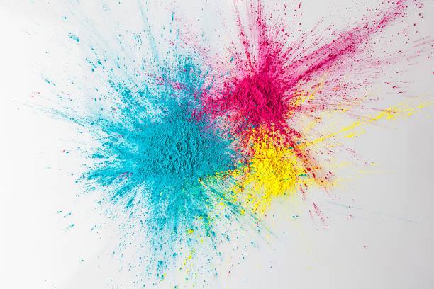 explosion de couleurs holi concept avec cabinet de toilette - Photo