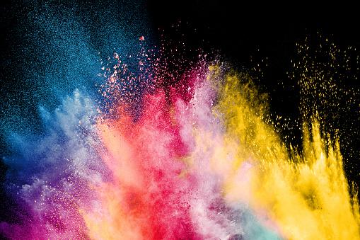 Photo libre de droit de Festival De La Couleur Holi Explosion Colorée Pour Happy Holi En Poudre Fond Dexplosion De Poudre De Couleur banque d'images et plus d'images libres de droit de Abstrait