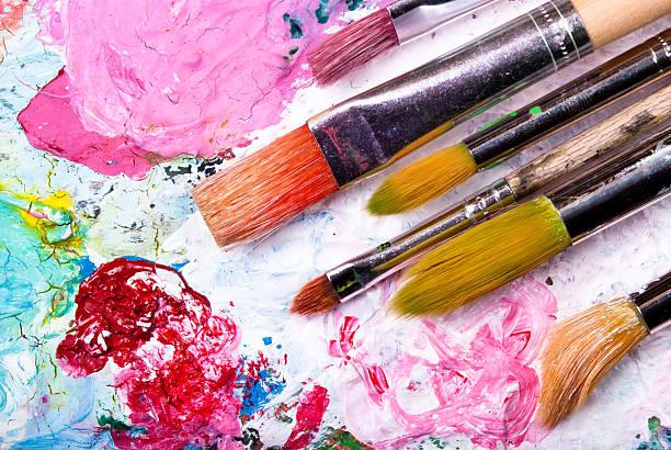 gama de colores con cepillo - clase de arte fotografías e imágenes de stock