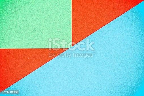 istock Color paper puzzle 629213950