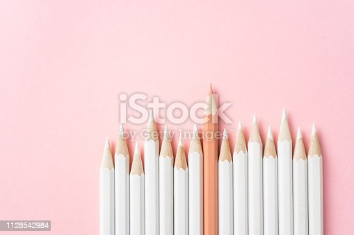 1138523356 istock photo color pencil with leadership, teamwork concept 1128542984