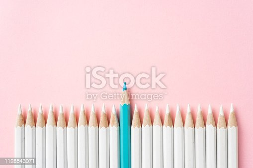 1138523356 istock photo color pencil with leadership, teamwork concept 1128543071