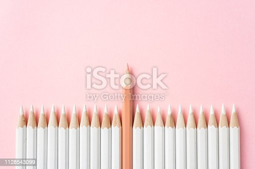 1138523356 istock photo color pencil with leadership, teamwork concept 1128543099