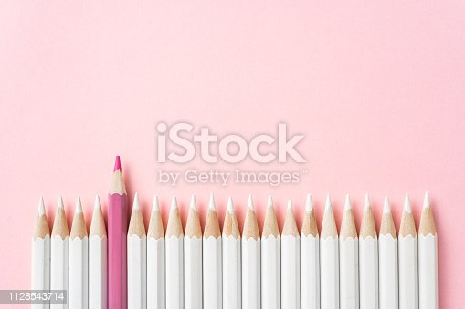1138523356 istock photo color pencil with leadership, teamwork concept 1128543714