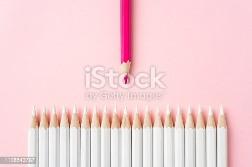1138523356 istock photo color pencil with leadership, teamwork concept 1128543767