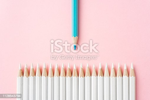 1138523356 istock photo color pencil with leadership, teamwork concept 1128543794