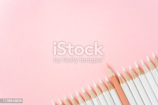 1138523356 istock photo color pencil with leadership, teamwork concept 1128543826