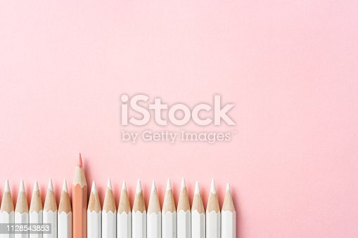 1138523356 istock photo color pencil with leadership, teamwork concept 1128543853