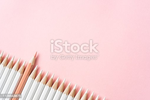 1138523356 istock photo color pencil with leadership, teamwork concept 1128543875