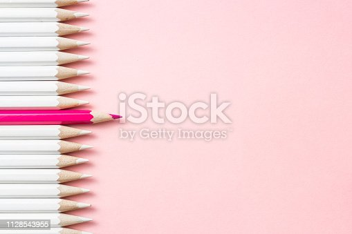 1138523356 istock photo color pencil with leadership, teamwork concept 1128543955