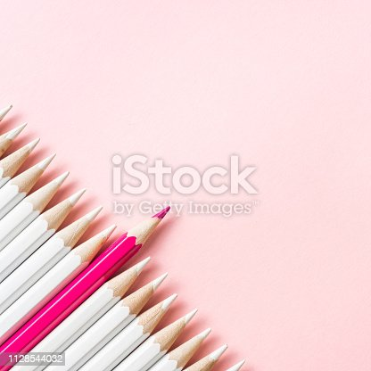 1138523356 istock photo color pencil with leadership, teamwork concept 1128544032
