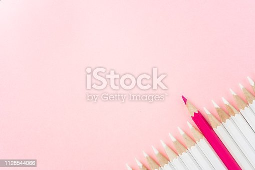 1138523356 istock photo color pencil with leadership, teamwork concept 1128544066