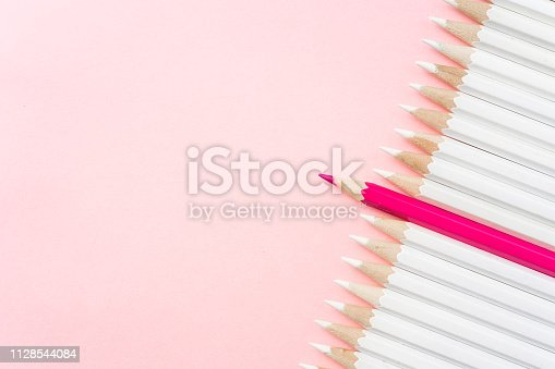 1138523356 istock photo color pencil with leadership, teamwork concept 1128544084