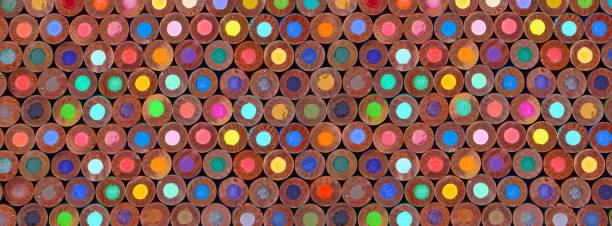Color pencils in multicolored background patterned abstract circles back to school fournitures scolaires rentrée des classes plein cadre coloré alignement colonnes lignes graphic designer stock pictures, royalty-free photos & images