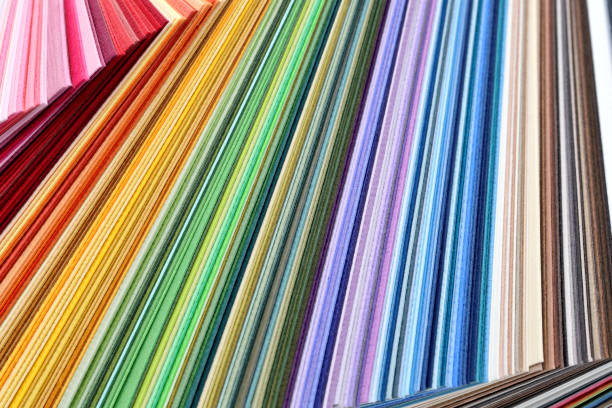 farbfelder farbbuch, regenbogen-beispiel-farbe-katalog - farbiges papier stock-fotos und bilder
