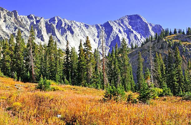 Colorado 14er, Capitol Peak in Autumn colors, Elk Range Colorado 14er, Capitol Peak in Autumn colors, Elk Range vail colorado stock pictures, royalty-free photos & images