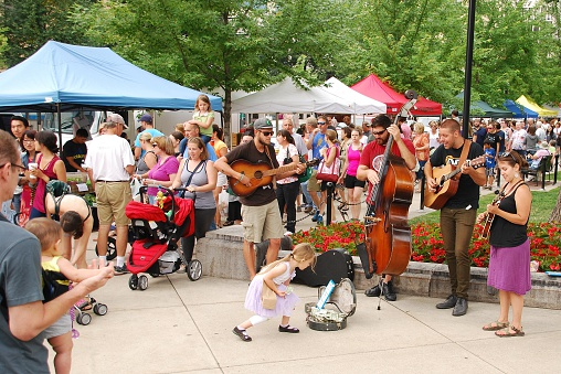 Colorado Folk Music At The Madison Farmers Market Stock Photo - Download Image Now