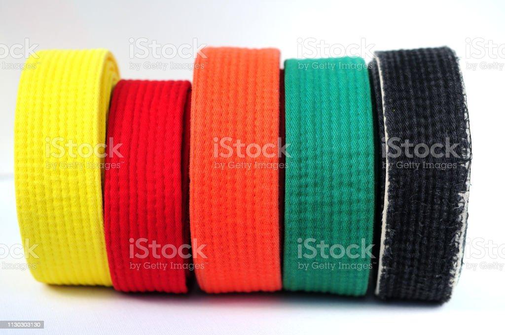 migliore online buono sconto gamma completa di articoli Kwon Taekwondo Judo Karate Cintura Cintura da 4 cm a colori ...