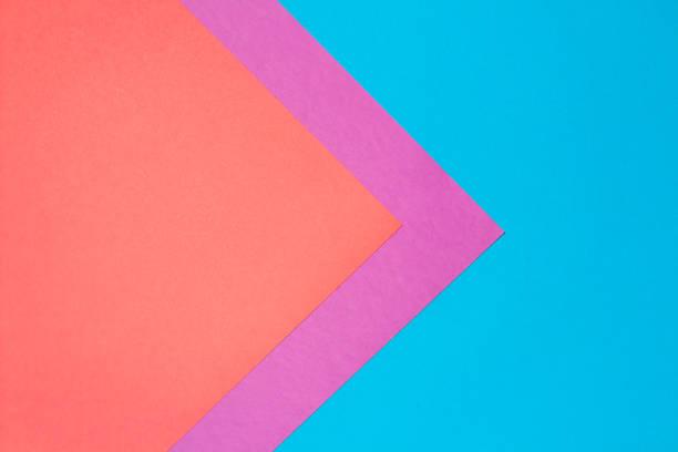 farbiges papier abstrakte textur hintergrund - zeitschrift wandkunst stock-fotos und bilder