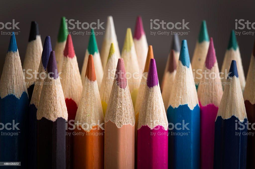 Цветные карандаши крупным планом стоковое фото