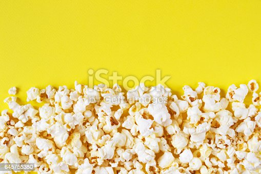 istock Colored popcorn background 645755380
