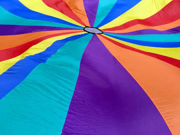 färgglada och ljusa fallskärm bakgrund - fallskärm bildbanksfoton och bilder