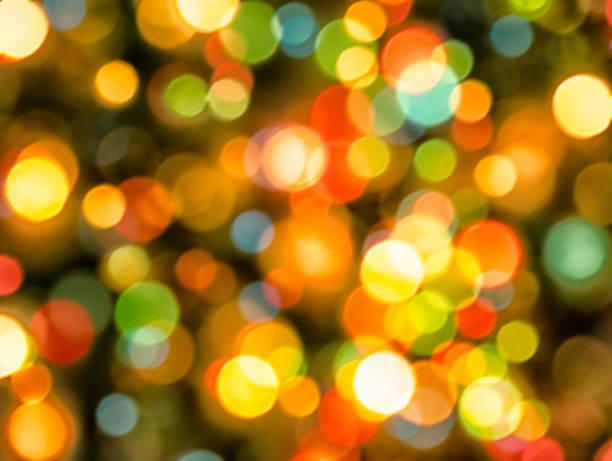 farbenfrohe und funkelndes weihnachten lichter hintergrund unscharf gestellt - weihnachten de stock-fotos und bilder