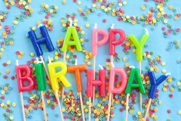 Colorato compleanno candele - foto stock