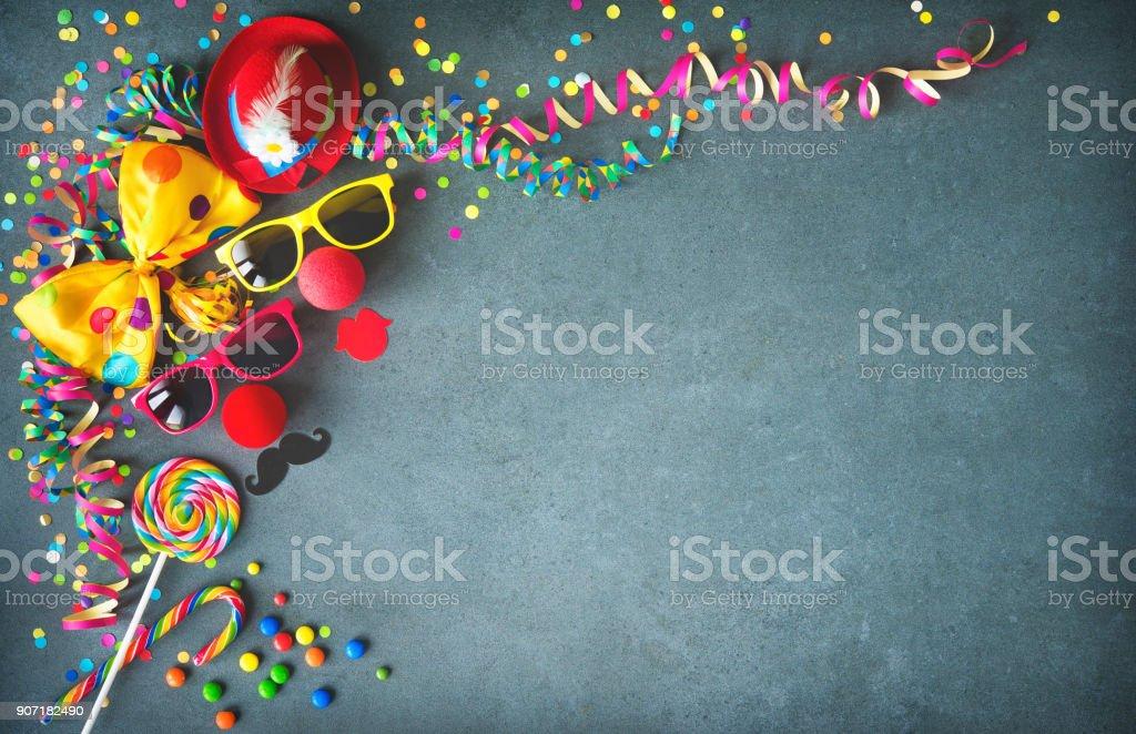 Bunte Geburtstag oder Karneval Hintergrund – Foto