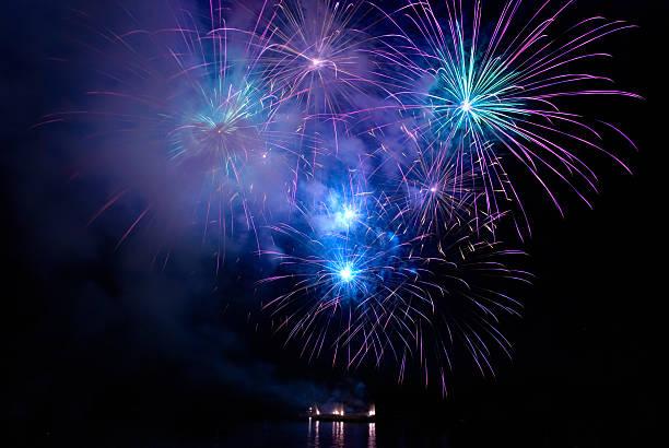Colorful blue fireworks – Foto