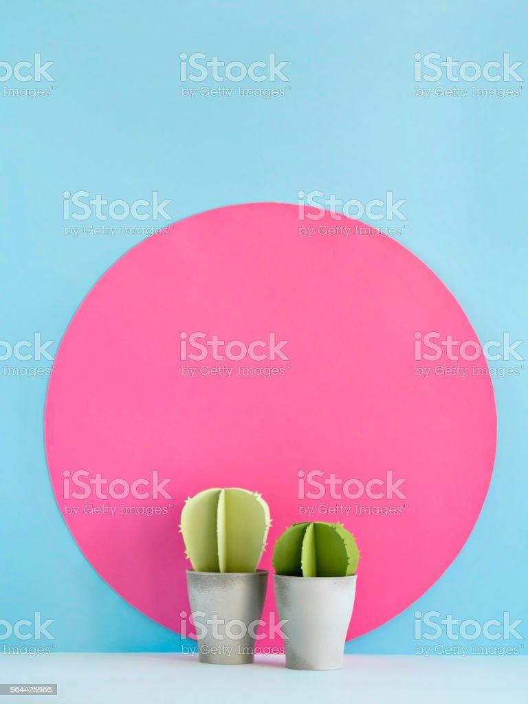 Kleurrijke cactussen op blauw en roze - Royalty-free Achtergrond - Thema Stockfoto