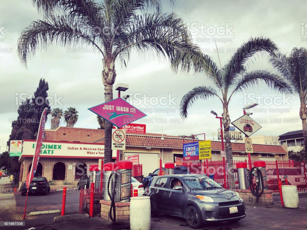 Gas Stations In California >> Colorful Car Wash And Gas Station In Los Angeles California