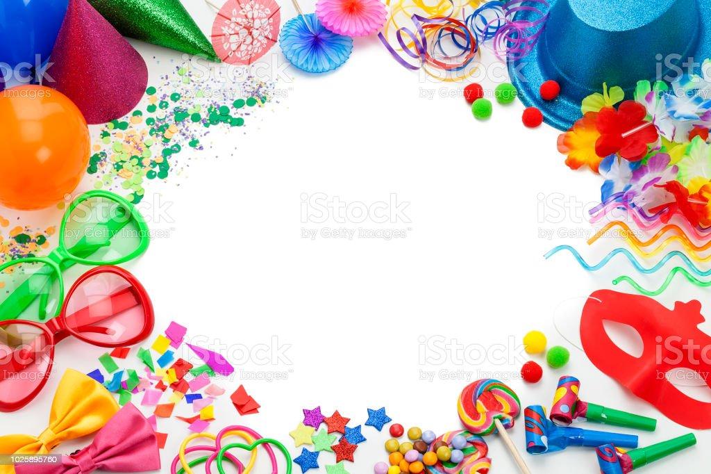 Table de Fête Top Confettis avec les mots Parti et ballon formes