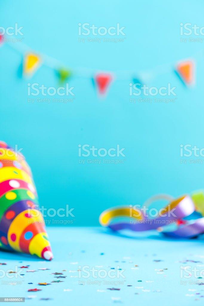 Maquete de celebração colorido, cartão de aniversário - foto de acervo