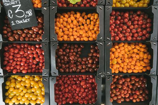 상자에 다채로운 체리 토마토 0명에 대한 스톡 사진 및 기타 이미지