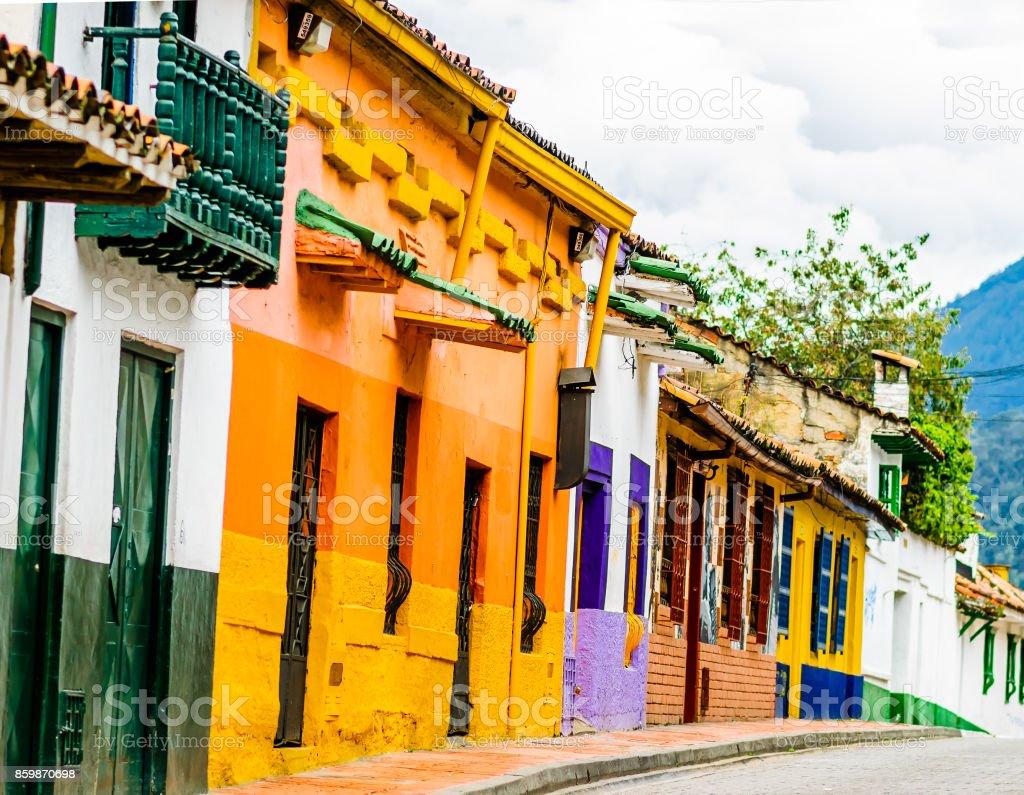 Colorido edificio Colonial en el centro histórico de Bogotá - Colombia - foto de stock