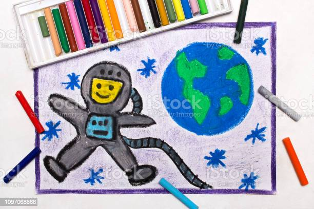 Colorful drawing happy astronaut in spacesuit flying next to the picture id1097068666?b=1&k=6&m=1097068666&s=612x612&h=aytftrnx01exk5ajsyjc udkffpmzgmt6i2wxmoc0i8=