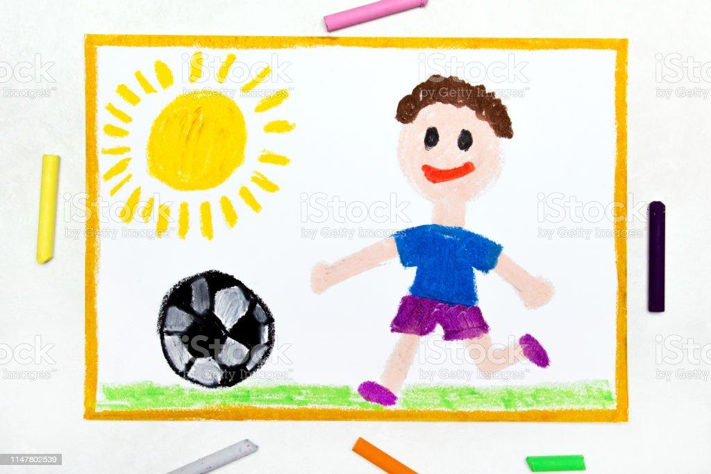 Bunte Zeichnung Lachelnde Junge Spielt Fussball Stockfoto Und