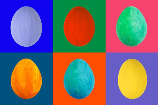 bunte ei auf farbigen hintergrund. glücklich ostern handarbeit lackiert farbe ei makro festlegen - schöne osterbilder stock-fotos und bilder