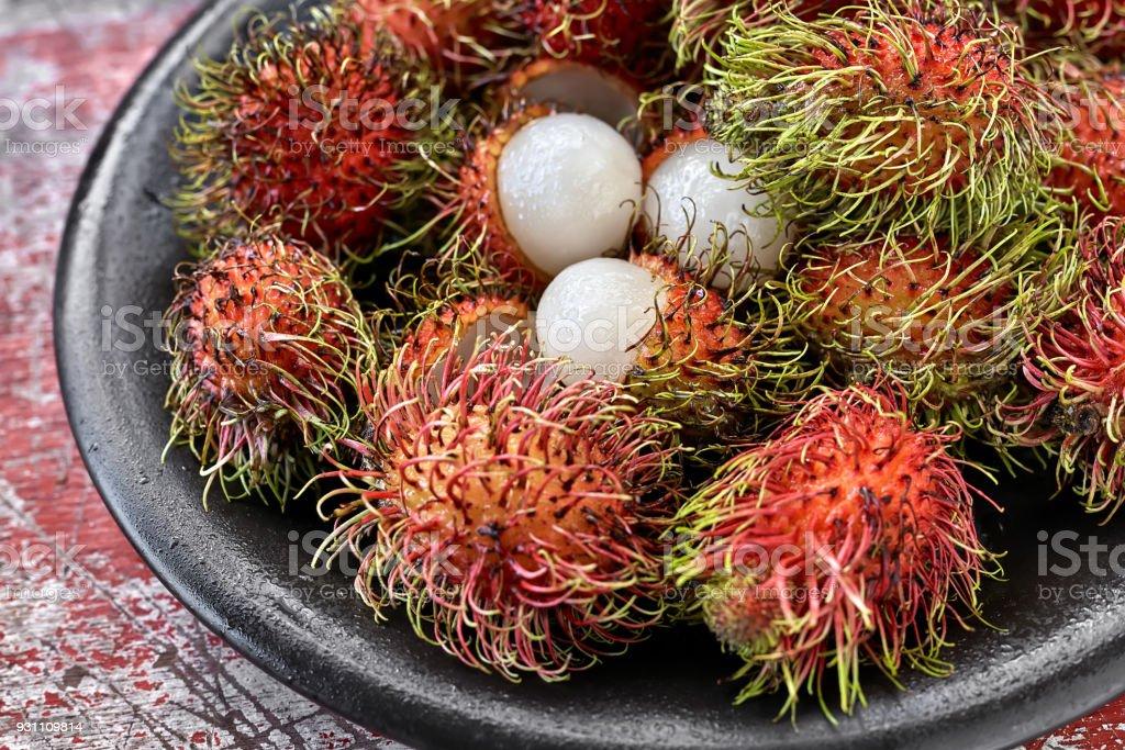 Renkli egzotik meyve - Royalty-free Ahşap Stok görsel