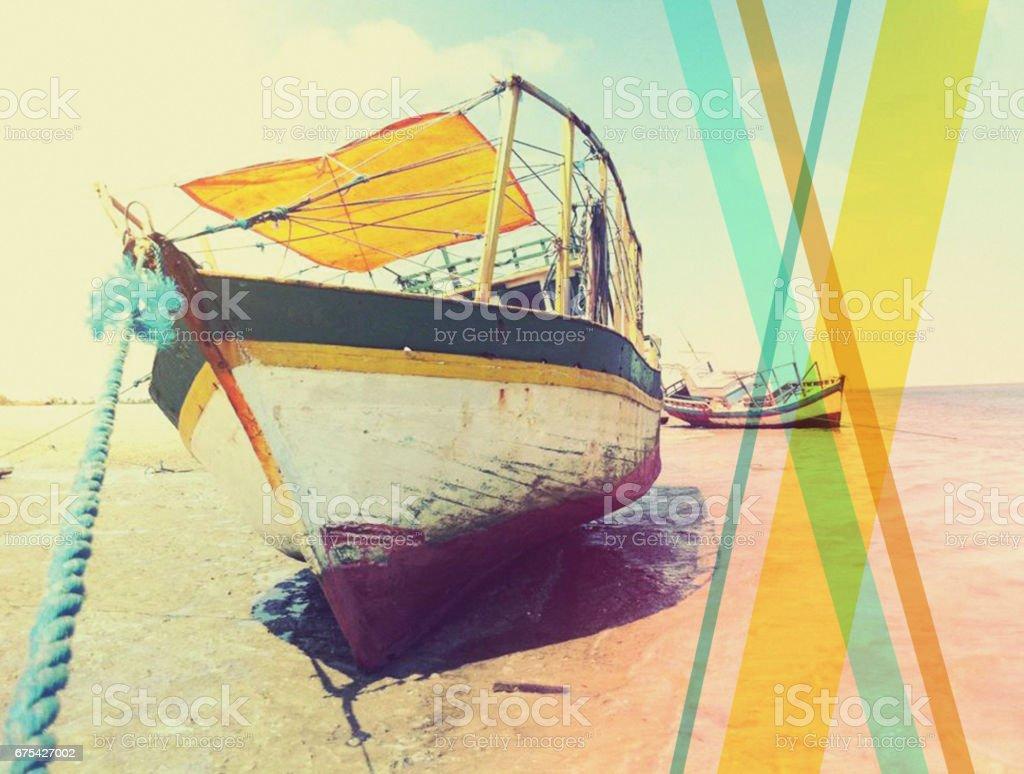 12-027 Colorful fishing boat on the beach, Brazil photo libre de droits