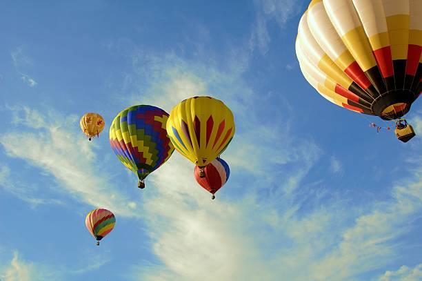 coloré vol de 6 - nuage 6 photos et images de collection