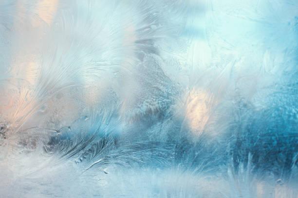 창에 다채로운 서리가 패턴 - 서리 뉴스 사진 이미지