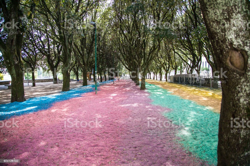 Giardino colorato con sassi arcobaleno stock photo more pictures