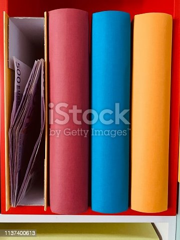 Colorful generic books
