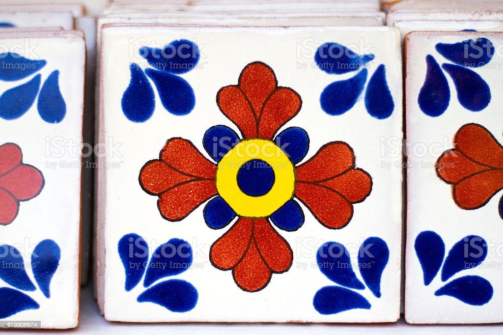 Geometrico colorato fiori messicana con piastrelle fotografie