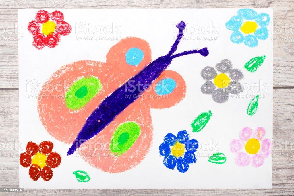 Dibujo A Mano Colores Primavera Mariposa Y Flores Lindas Foto De